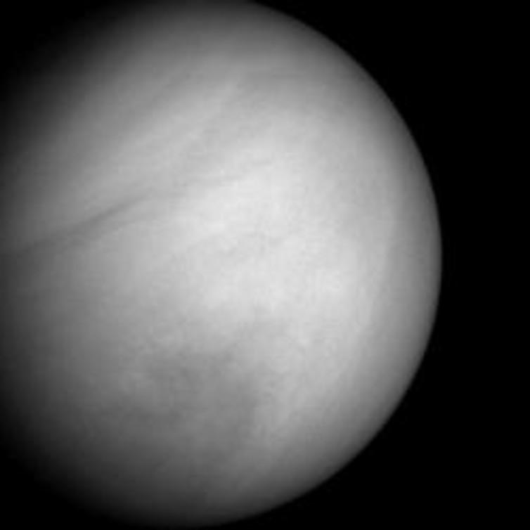 قسمت های بالایی ابرهای سیاره ناهید، ولی با نور تصویر کاسته شده و پس زمینه وسعت یافته برای نمایان کردن سیاره در تصویر.