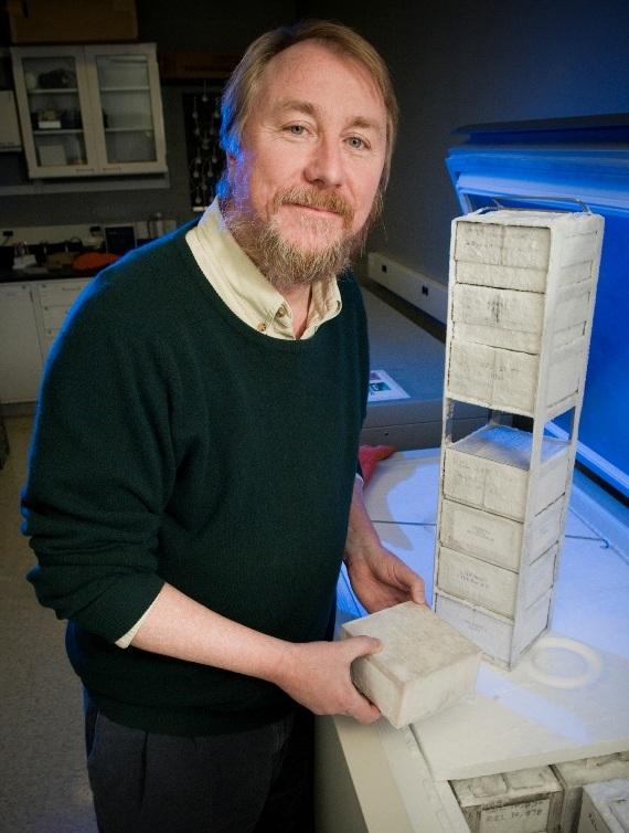 ریچارد لنسکی کسی که آزمایش بلند مدت تکاملی را انجام داده است.