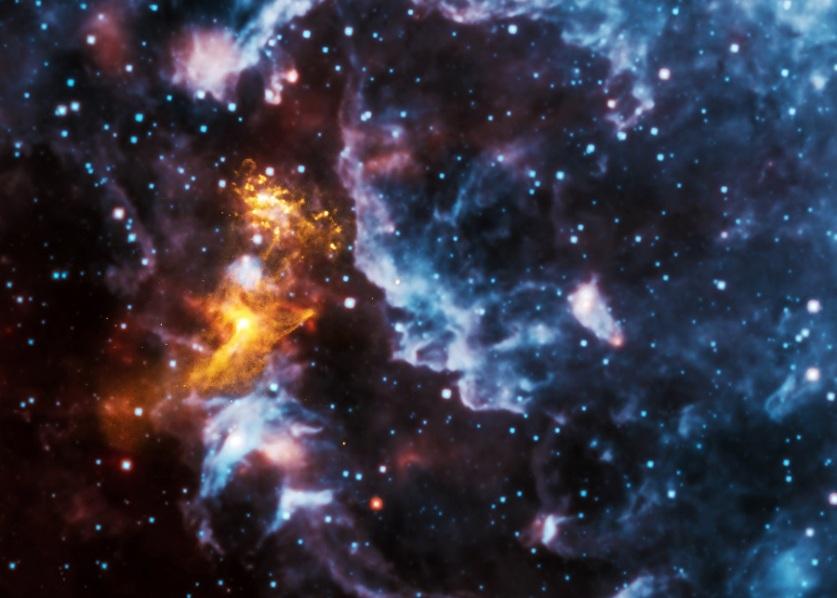 یک معادله بهبود یافته از توصیف ماده کوارکی، پیش بینی های نظری در رابطه با ویژگی های ماده ستاره نوترونی–که محققان امیدوارند در آینده قادر به آزمایش کردن آن باشند- فراهم آورده است. این تصویر، تشعشاتی از یک ستاره نوترونی در حال چرخش را نشان می دهد.