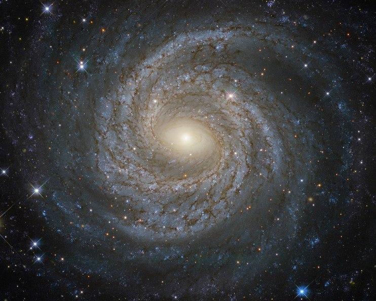 جاناتان فنگ معتقد است: « اگر در آزمایشات آینده اثبات شود، کشف نیروی پنجم می تواند به طور کل درک ما از جهان را تغییر دهد. و شاید آن همان چیزی است که کهکشان ها را کنار هم نگه می دارد مانند این کهکشان مارپیچی کهNGC 6814 نام دارد.