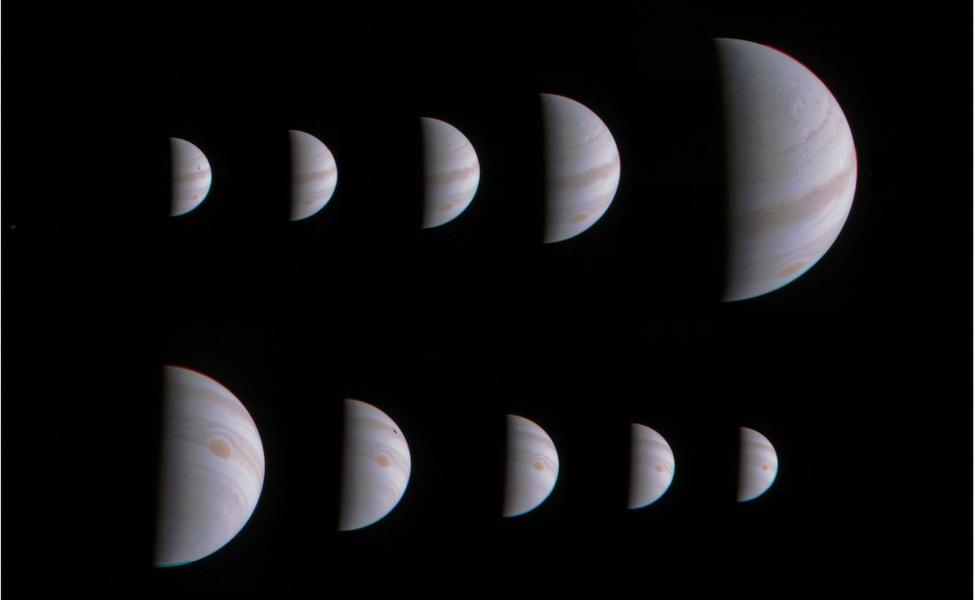 توالی عکس های فضاپیمای جونو حین نزدیک شدن و دور شدن از سیارۀ مشتری