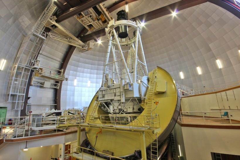 تلسکوپ 3.9 متری استرالیا واقع در رصدخانه Siding Spring در ولز جنوبی.