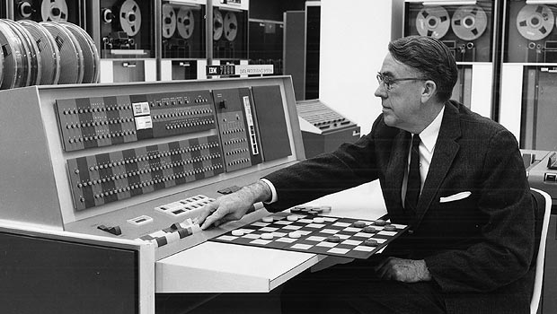 us__en_us__ibm100__700_series__checkers__620x350
