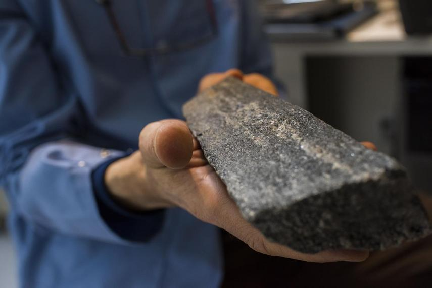نمونه هایی از قدیمی ترین سنگ زمین که سنّ آن بطور دقیق محاسبه شد.