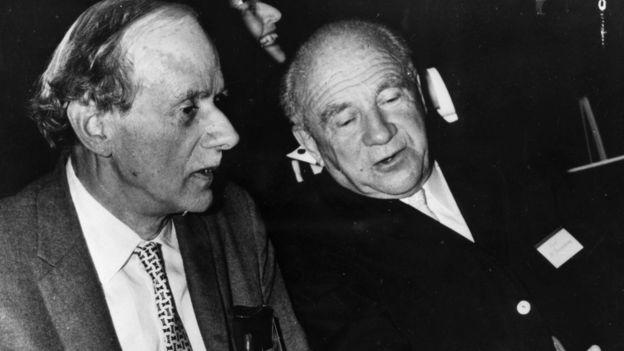 ورنر هایزنبرگ (راست) و پل دیراک