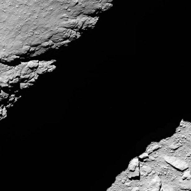 عکس دنباله دار از فاصله 1.2 کیلومتری فضاپیمای روزتا