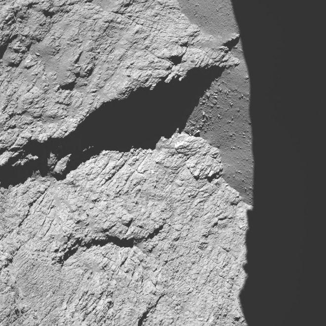 عکس دنباله دار از فاصله 11.7 کیلومتری فضاپیمای روزتا