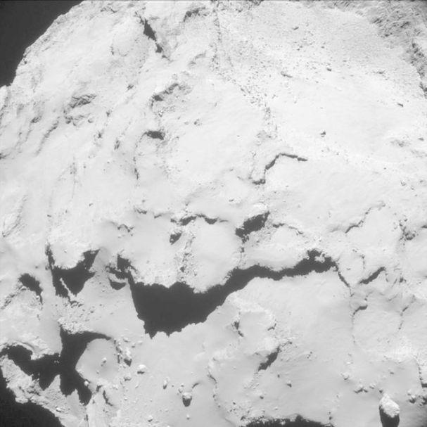 عکس دنباله دار از فاصله 18.7 کیلومتری فضاپیمای روزتا