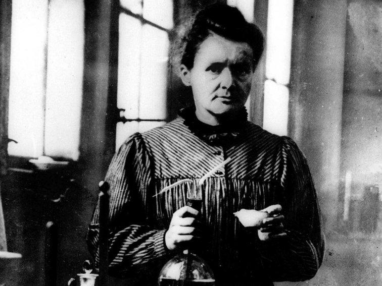 in-1896-marie-curie