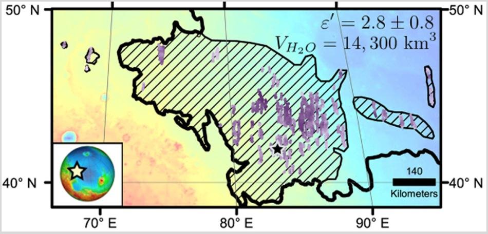 خط کشی مورب این نقشه از منطقه ی اتوپیا پلانتیا در مریخ ناحیه ای را نشان می دهد که یک رسوب عظیمِ غنی از آب در سطح قرار دارد و با استفاده از رادار مدارگرد اکتشافی مریخ بررسی شده است.
