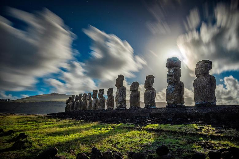 easter-island-statues-chile-adapt-1900-1