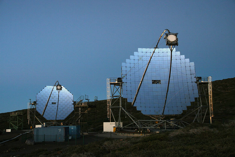 مجموعه تلسکوپ های مجیک در جزیره لاپالما از مجمع الجزایر قناری