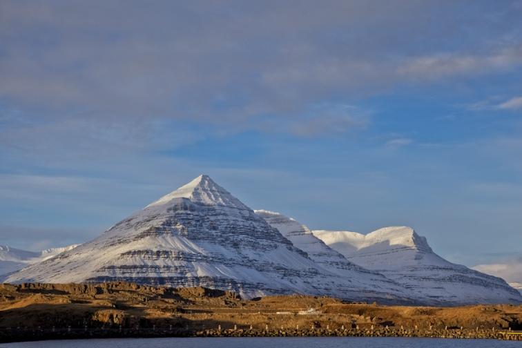 نمایی از کوه بولندسجو در ایسلند