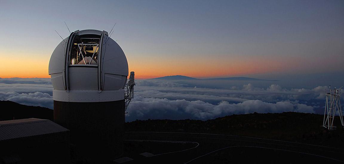 پناستارز حدود نیم میلیون عکس ترکیبی از آسمان شب را ارائه می کند که از هاوایی دیده شده اند
