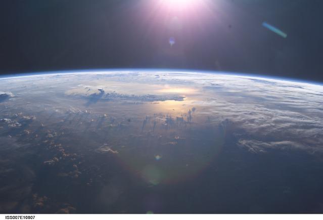 چشم اندازی از اقیانوس آرام از فضا