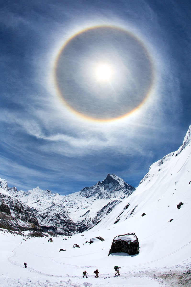 Halo_in_the_Himalayas
