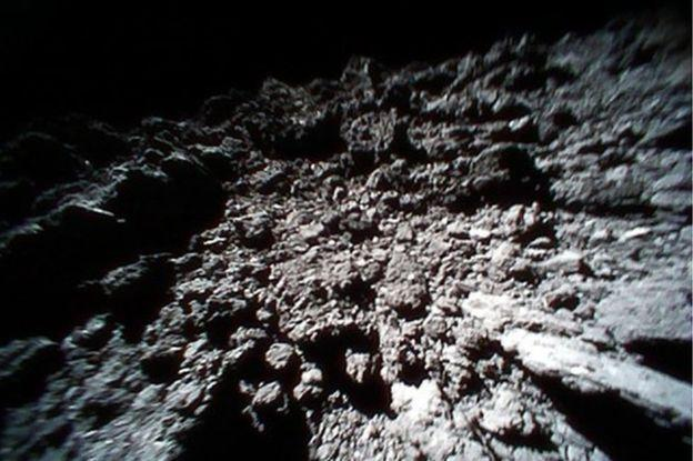 JAXAs asteroid landers share photos from Ryugus surface