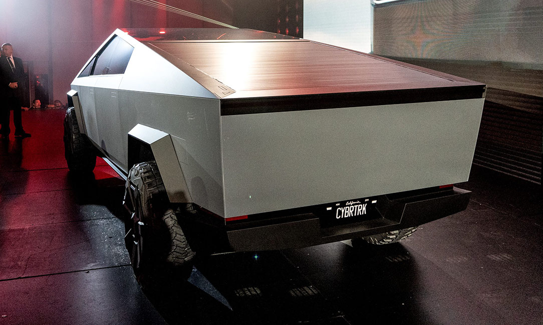 tesla cybertruck closed bed storage e