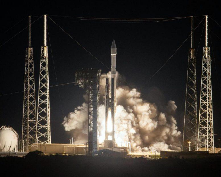 Atlas V Rocket Solar Orbiter Liftoff x