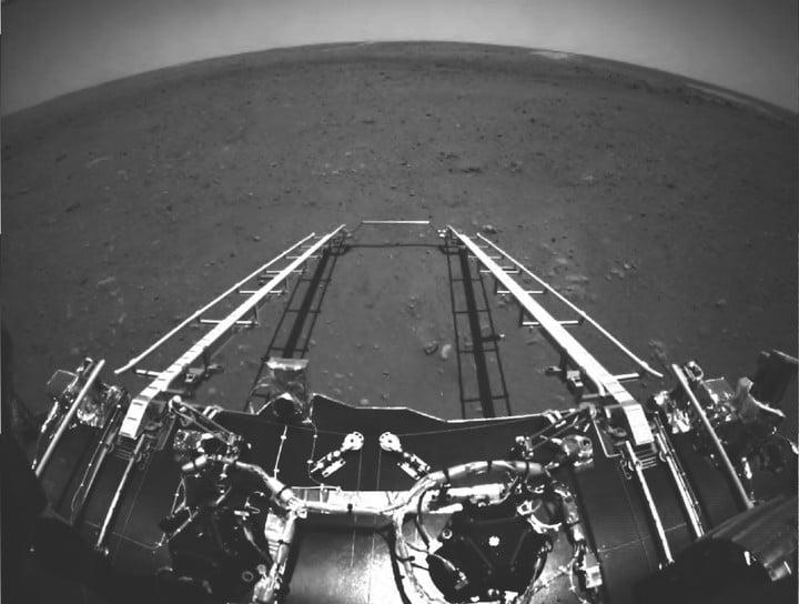 zhurong mars rover image x